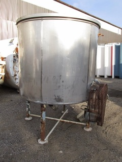 1000 GALLON STAINLESS STEEL MIX TANK