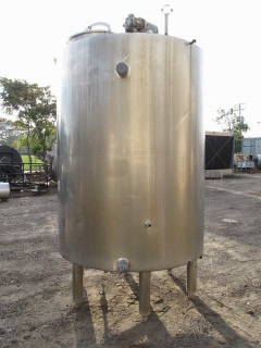 CHESTER-JENSEN 1000 GALLON MIX TANK